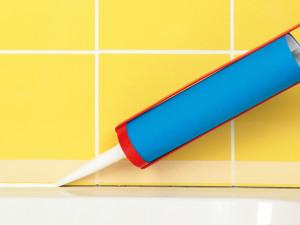 Réparer un joint de baignoire