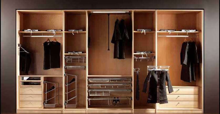 fabriquer une penderie le roi de la bricole. Black Bedroom Furniture Sets. Home Design Ideas