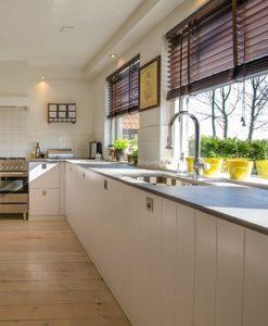 Vous voulez installer un nouveau plan de travail dans votre cuisine ? Vous pouvez le faire vous-même !